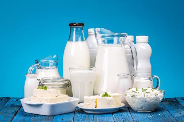 Selection de produits laitiers sur une table